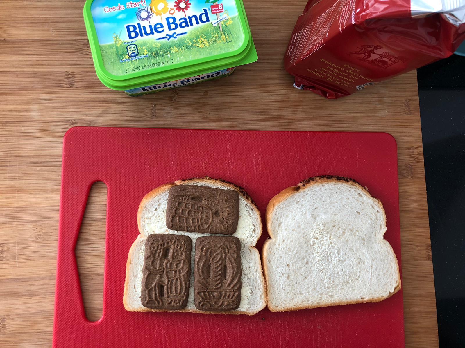 Speculaas op wit brood
