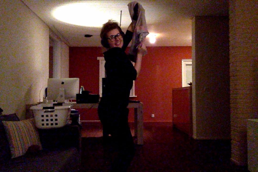 Dansend de was opvouwen