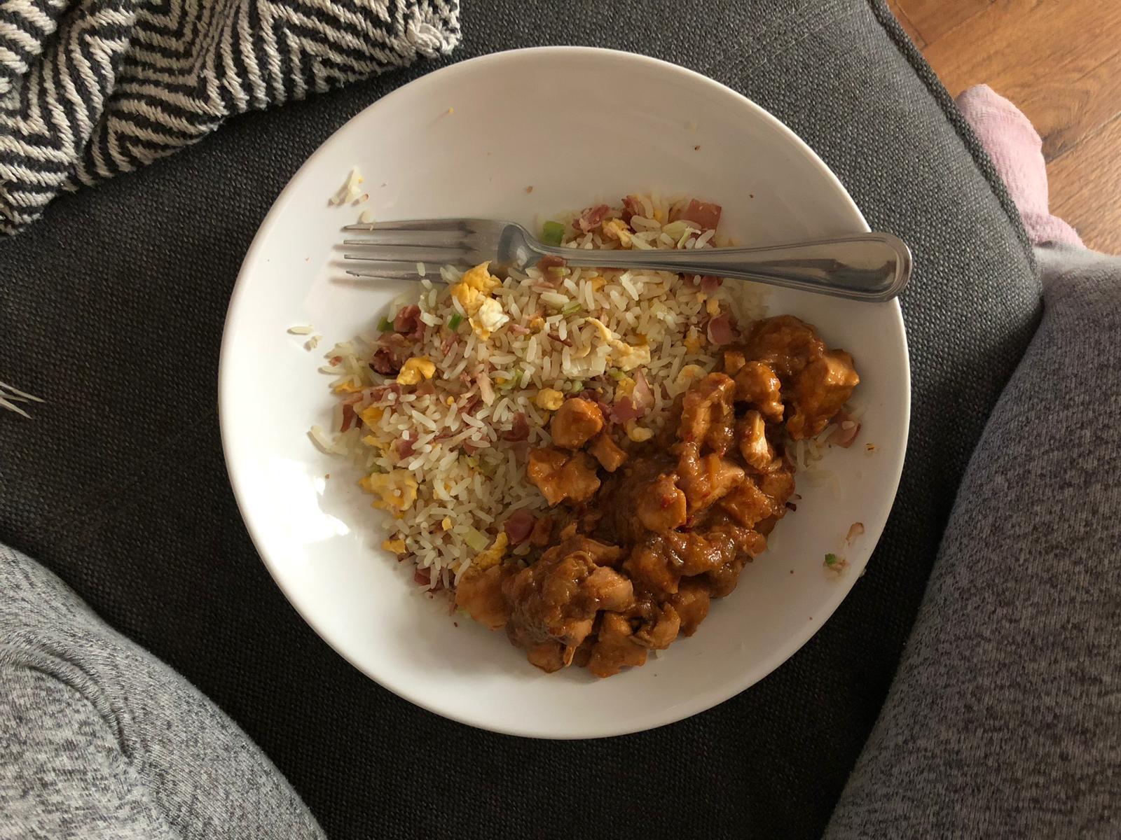 Nasi met hete kip