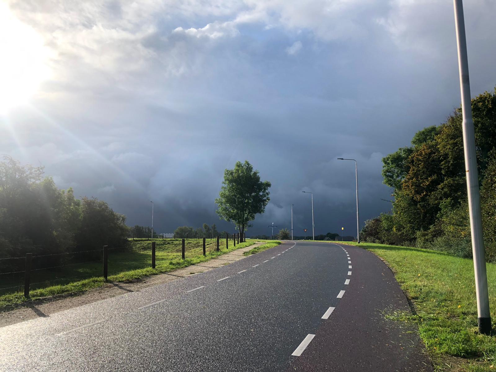 Dreigende wolken Lobith