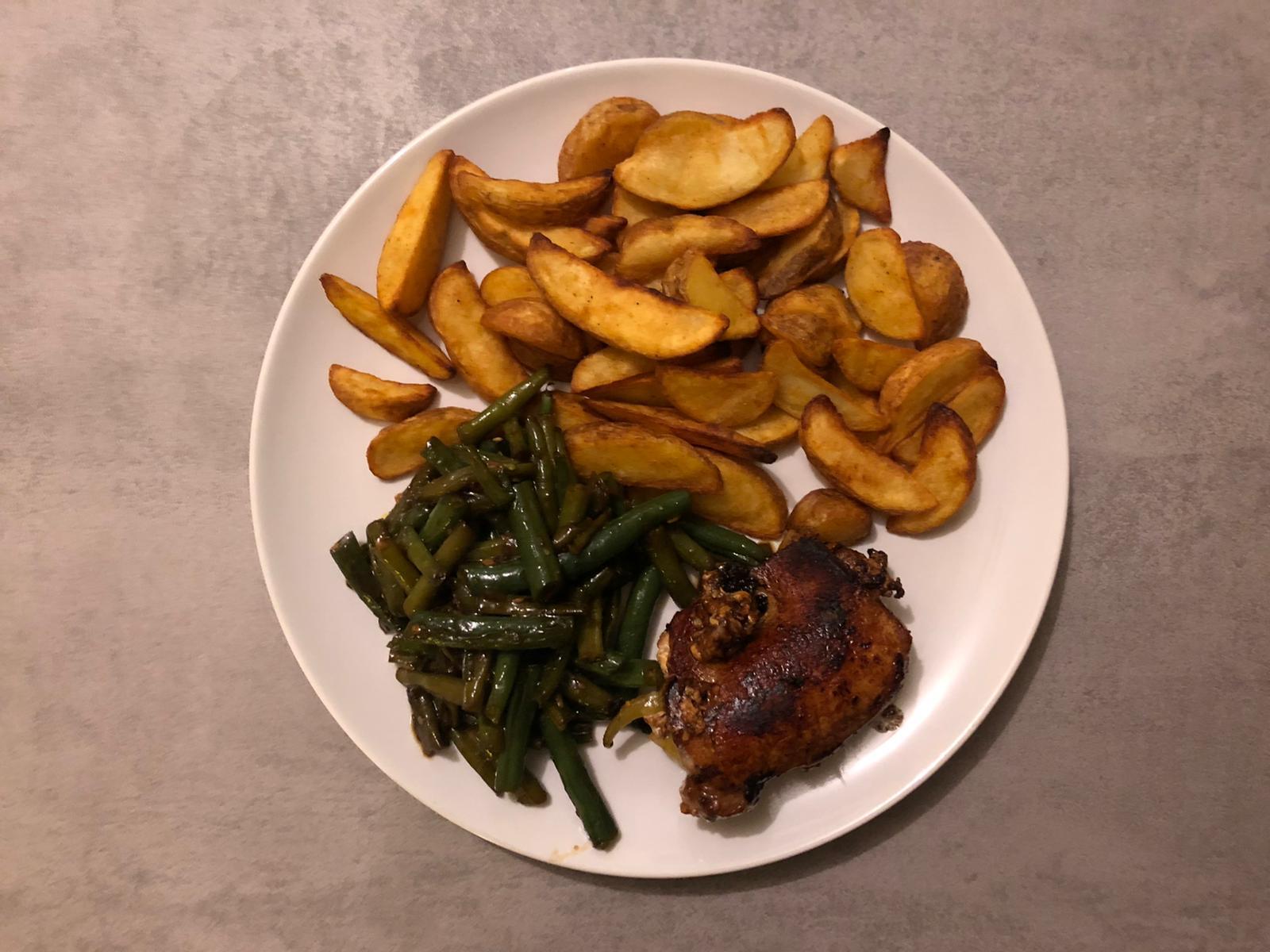 Aardappels, boontjes en vlees
