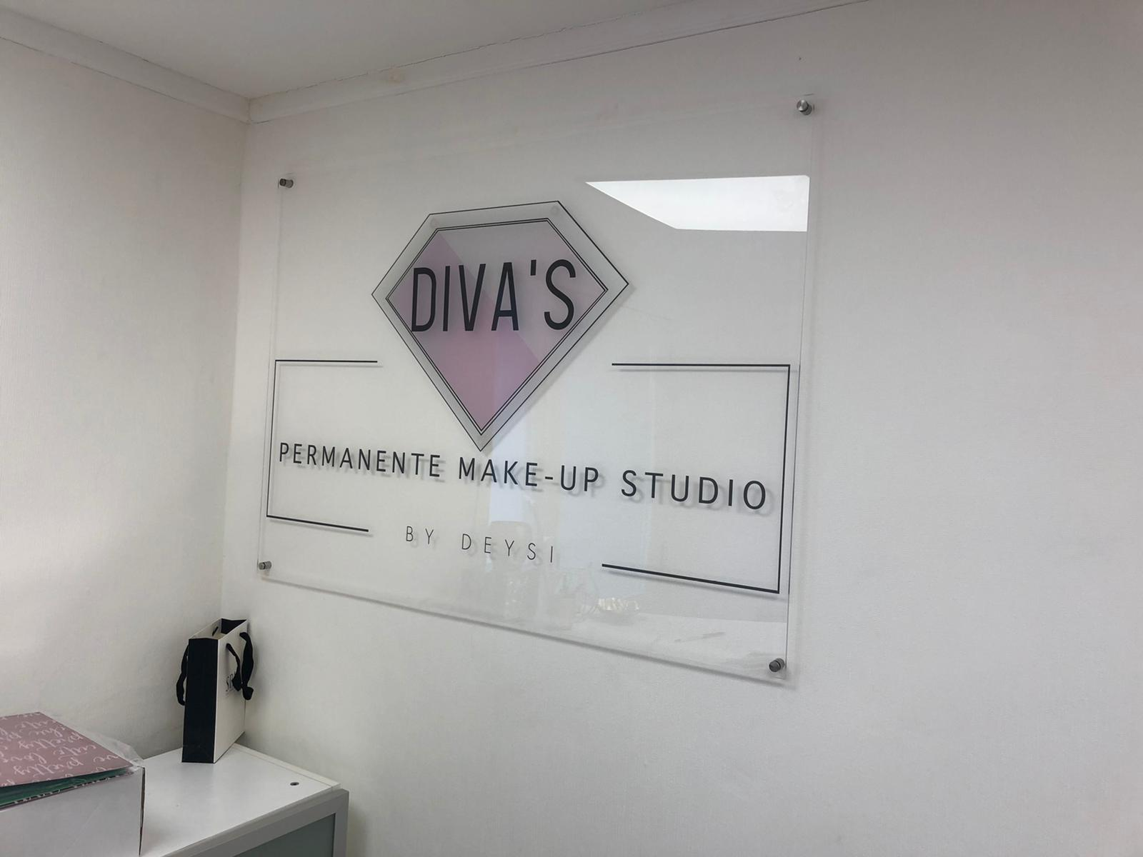 Diva's permanente make-up studio