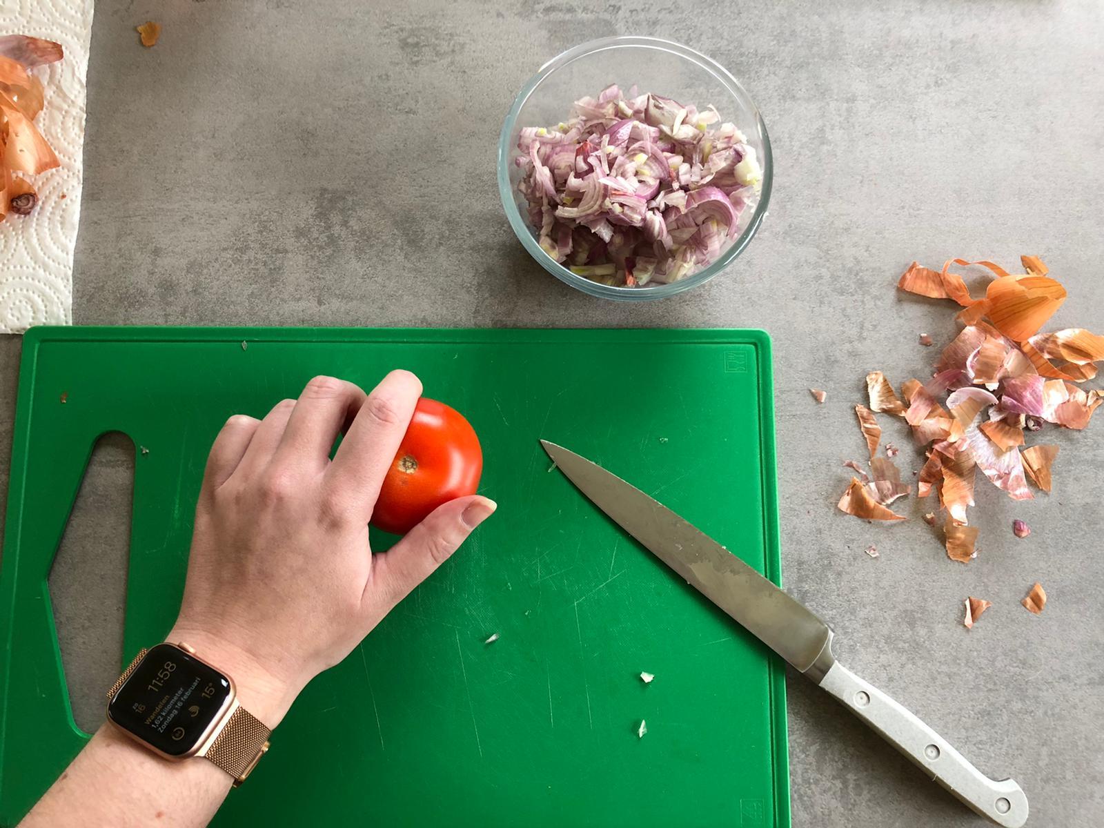Groenten snijden voor de draadjesvlees