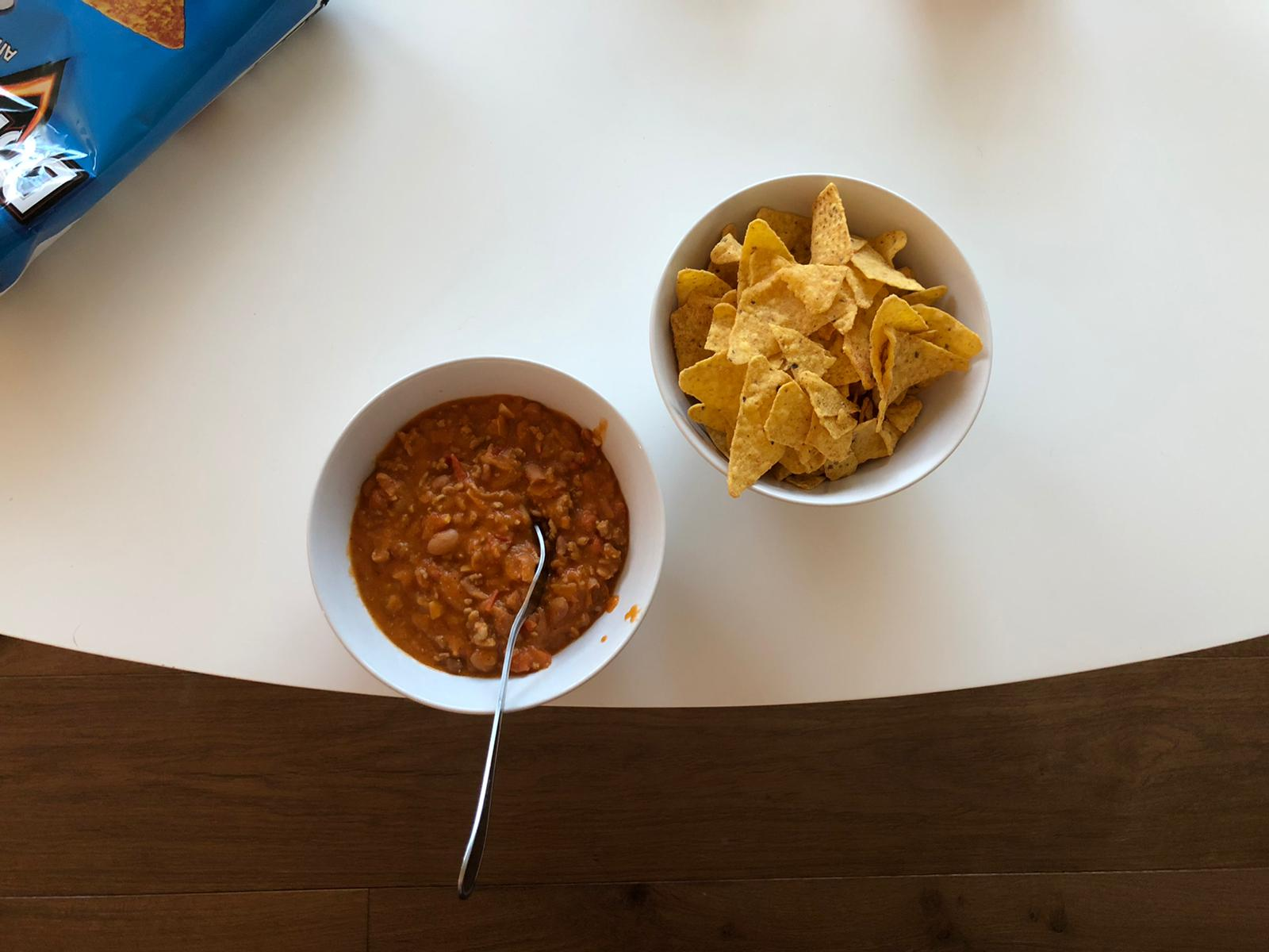 Chili met chips