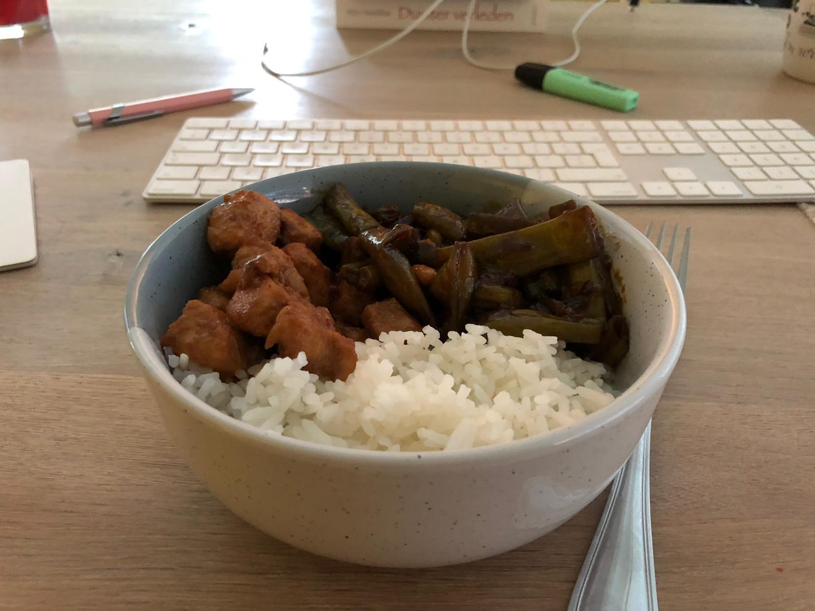 Rijst met kip en bonen
